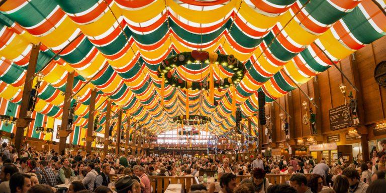 Đức nổi tiếng với lễ hội oktoberfest